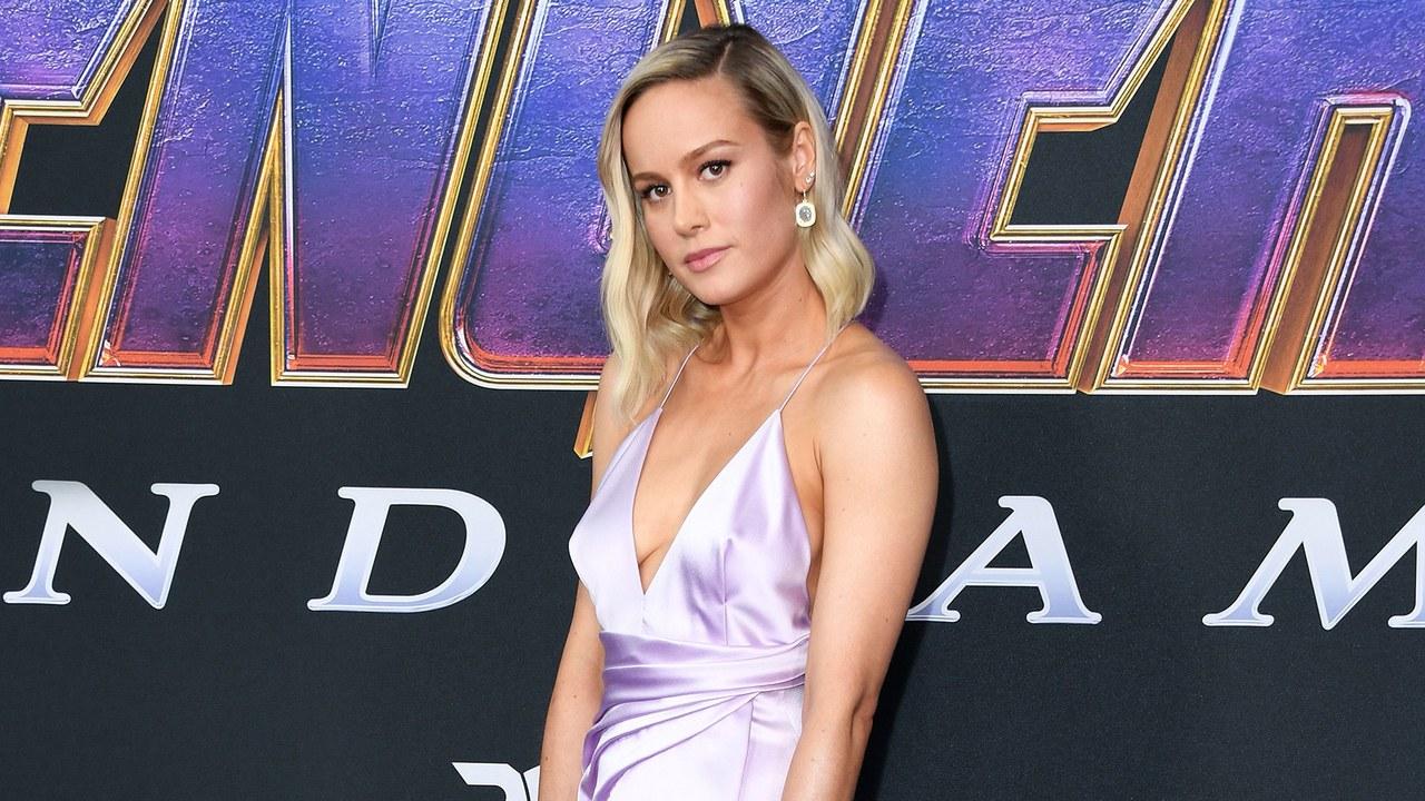Brie Larson and Scarlett Johansson Wear Infinity GauntletInspired 1280x720