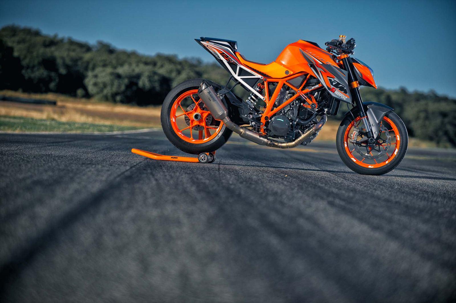 Download Orange KTM Bike Wallpaper Photos 60897 1600x1065 px High 1600x1065