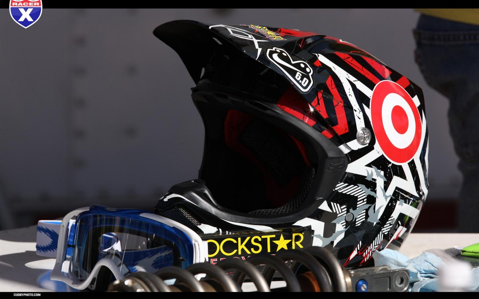 Fox Motocross Wallpaper Fox dirt bike wallpaper fox 1680x1050