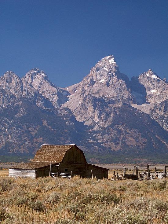 Pin Teton Barn Jackson Hole Wyoming Desktop Wallpapers on 550x733