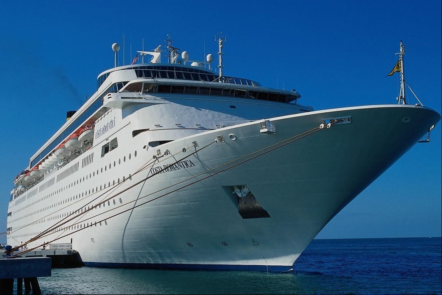 Cruise Ship 1536x1024