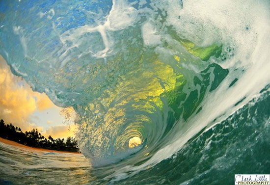 The Most Beautiful Waves Ever Inspirational Quotes Wallpaper 550x377