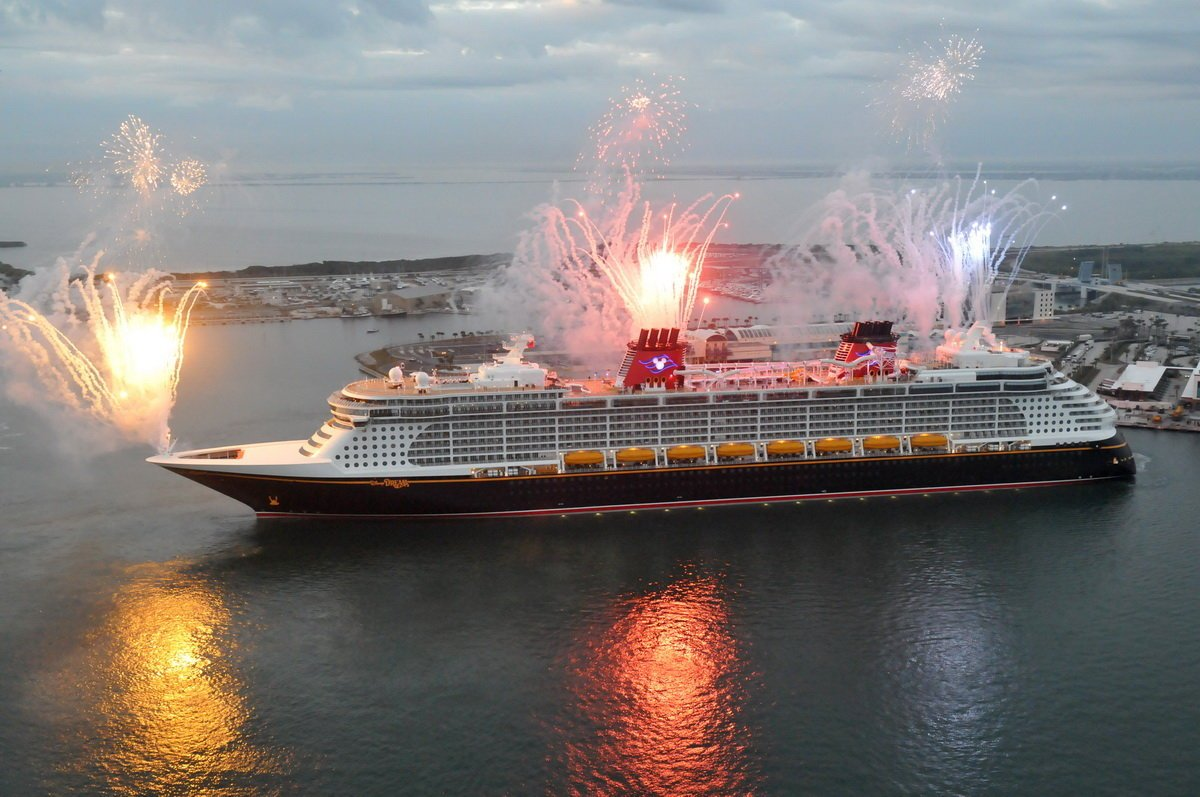 Disney dream p 1200x797
