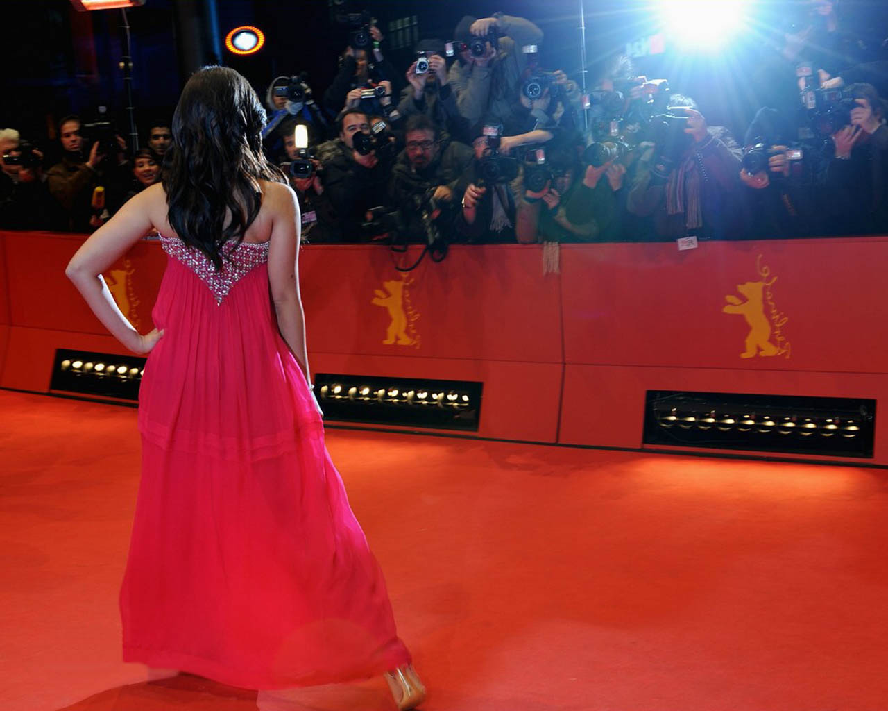 Red Carpet Wallpaper   Hd Wallpaper Background 1280x1024