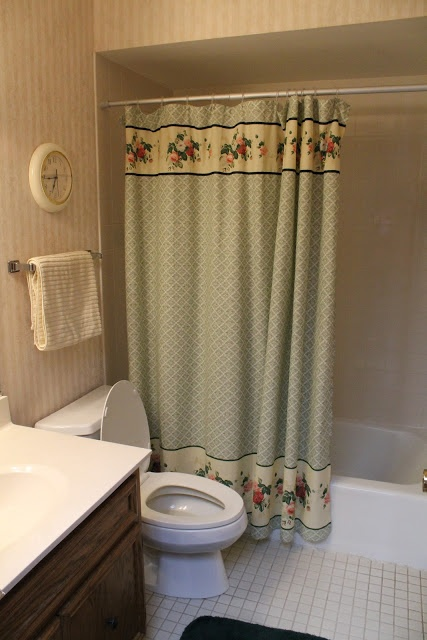 hip2thrift How to remove old wallpaper easily Bathroom Makeover 427x640