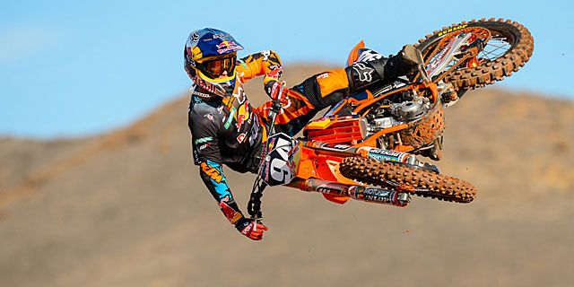 Wallpaper Wednesday   KTM Team Shoot 2013   Moto Magazine 640x320