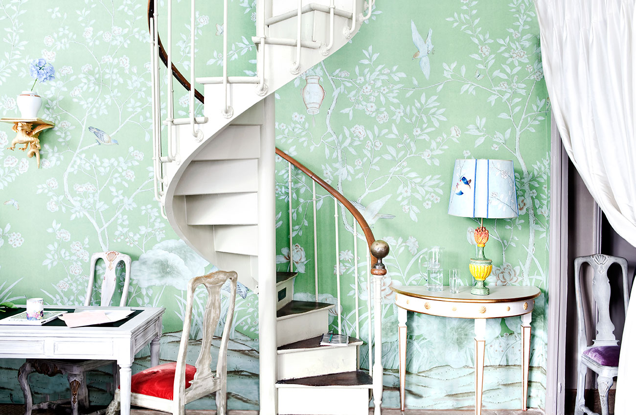 De Gournay Chinoiserie Wallpaper Met Gala Limited Edition Scarf 1300x848
