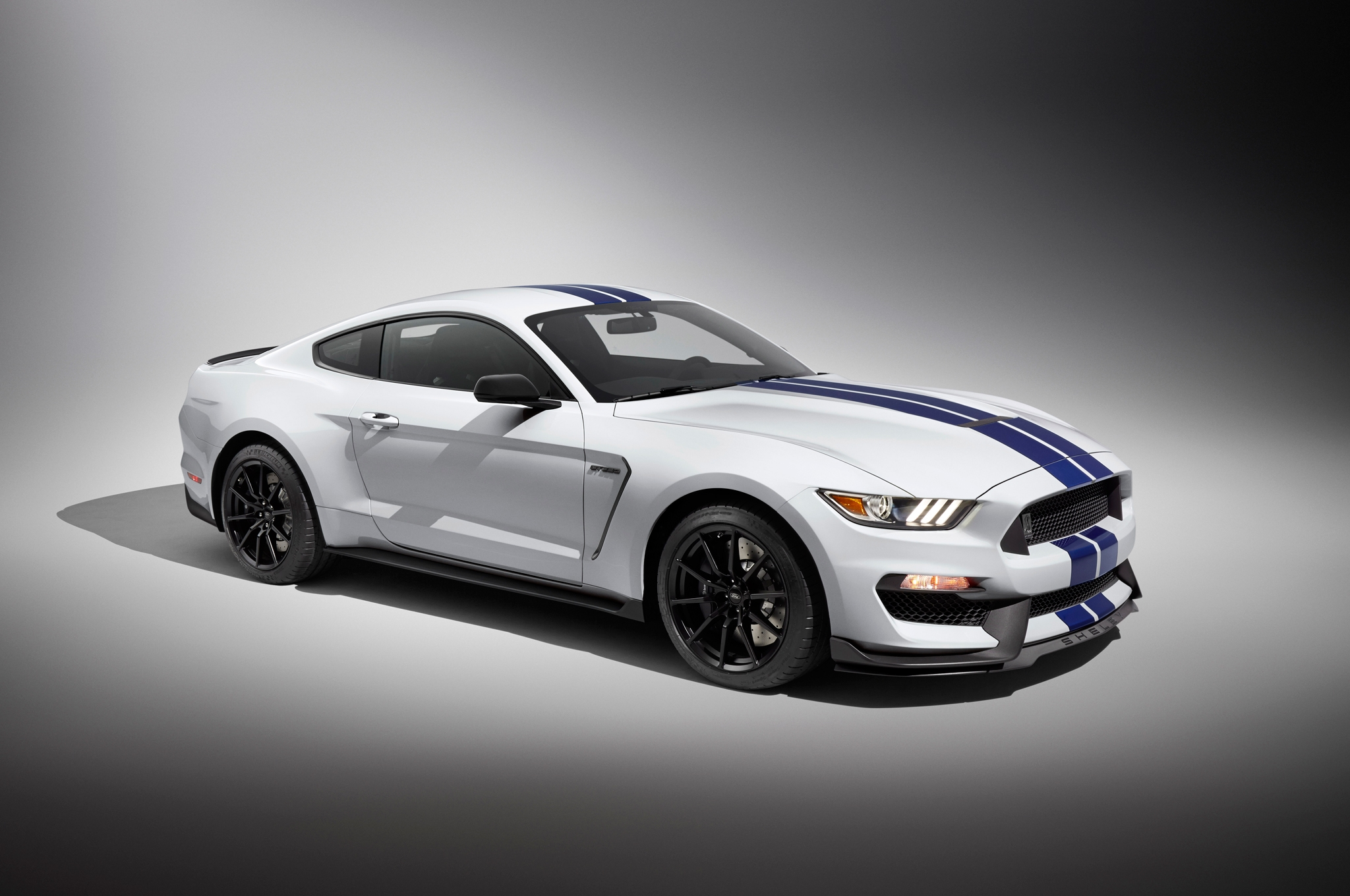 2016 Ford Mustang Shelby GT350 HD Wallpapers 2048x1360