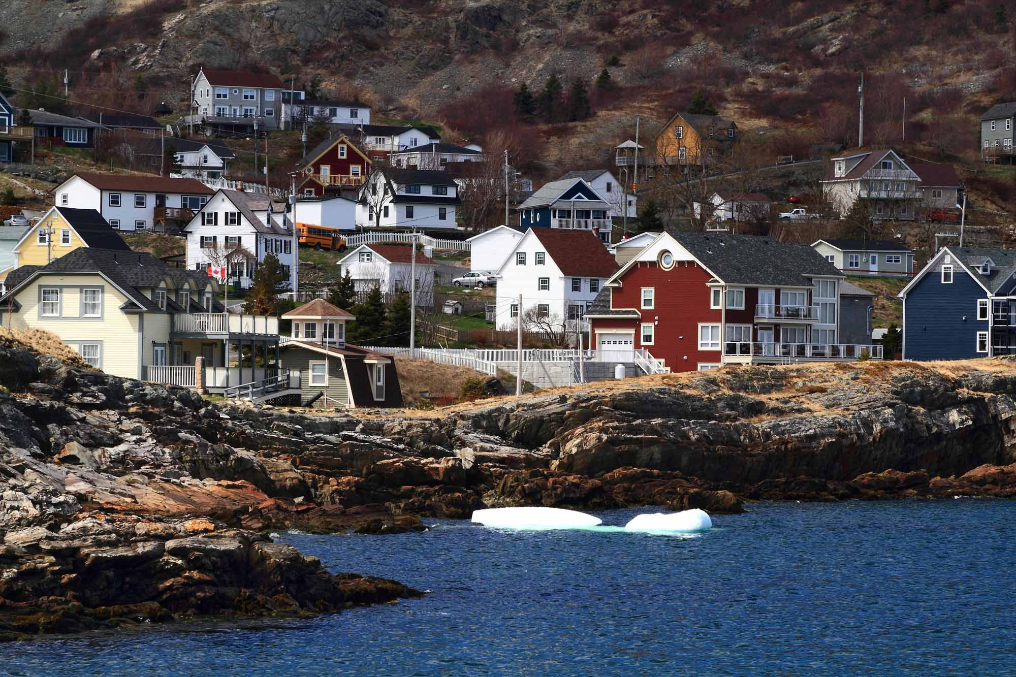 Newfoundland Wallpapers Images Photos Pictures Backgrounds 2000x1333