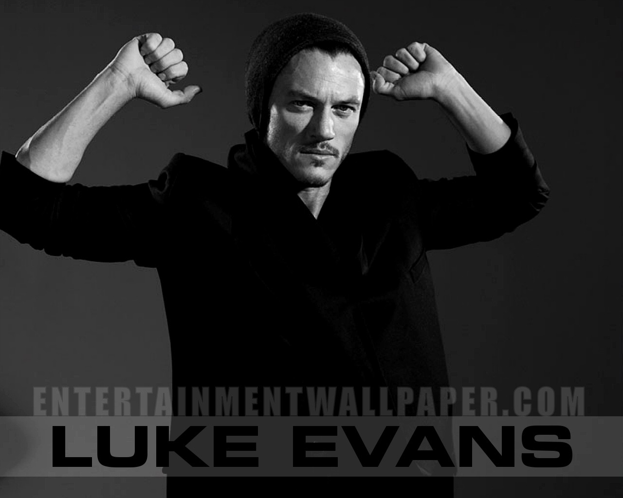 luke evans wallpaper 30028799 size 1280x1024 more luke evans wallpaper 1280x1024