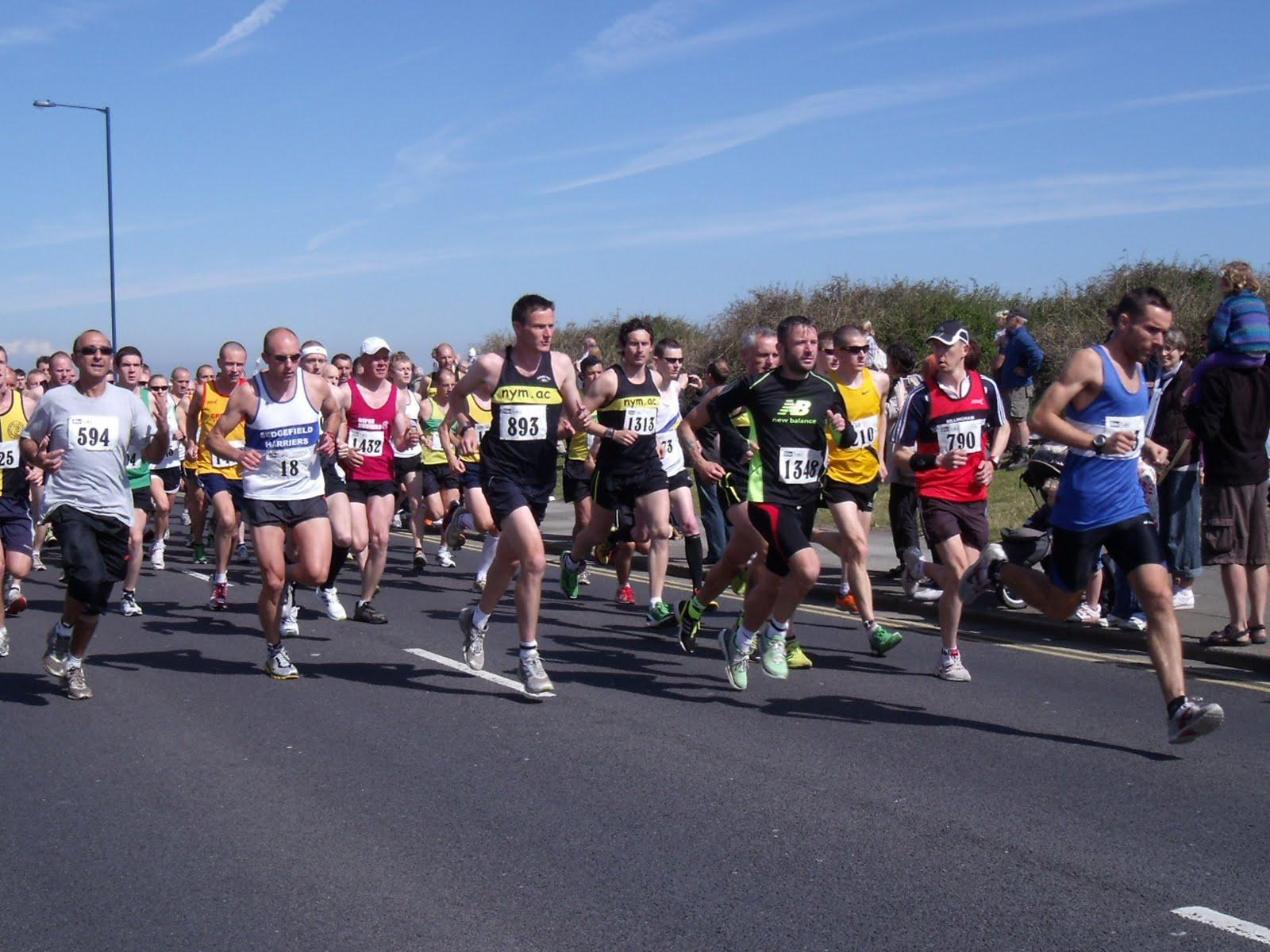 Marathon Running Wallpaper Redcar half marathon 2011 1600x1200