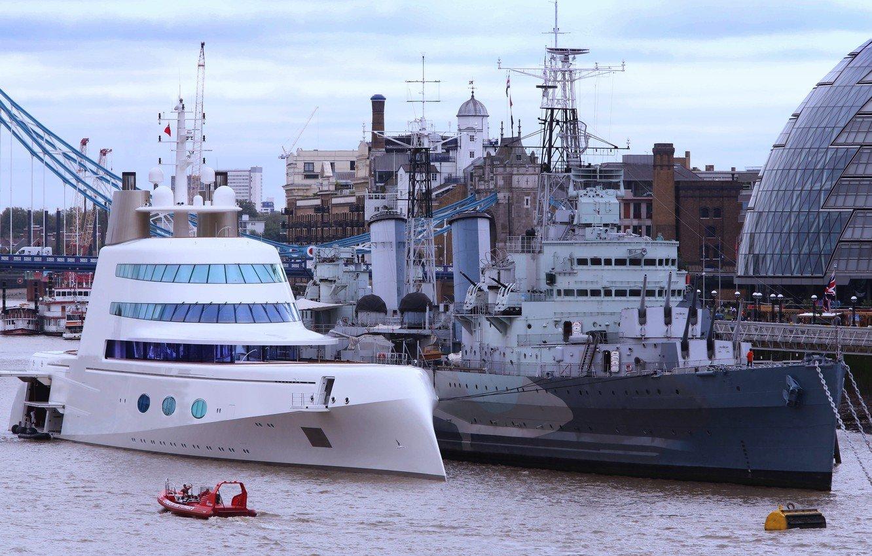 Wallpaper London Thames mega yacht a the cruiser Belfast 1332x850