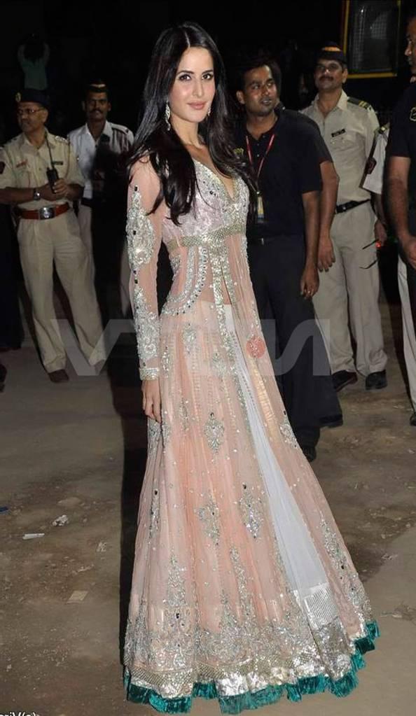 bollywood actress katrina kaif anarkali suits images 2015 6 bollywood 594x1023