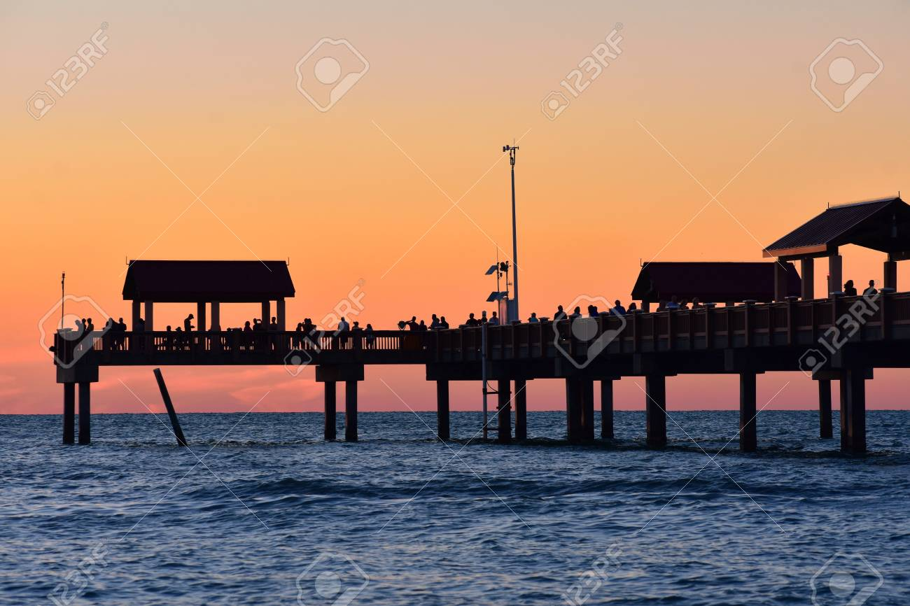 Clearwater Florida October 212018 Pier 60 On Colorful Sunset 1300x866