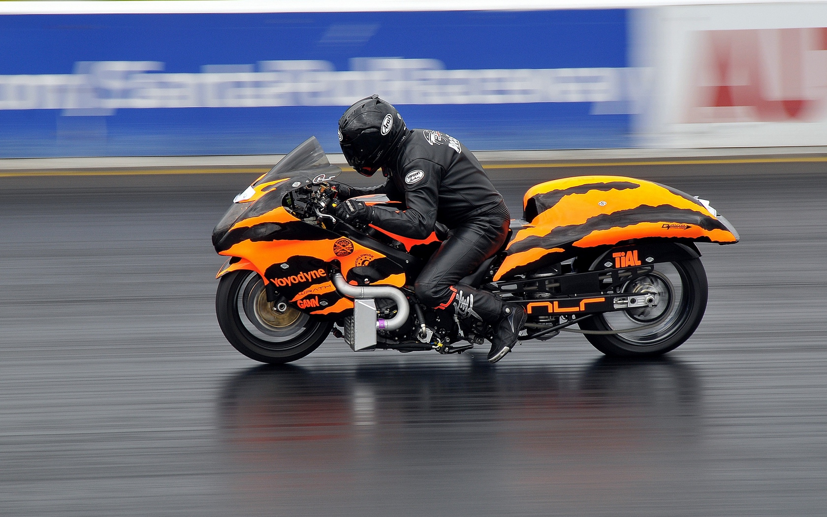 Download wallpaper 1680x1050 motorcycle bike racing sports 1680x1050