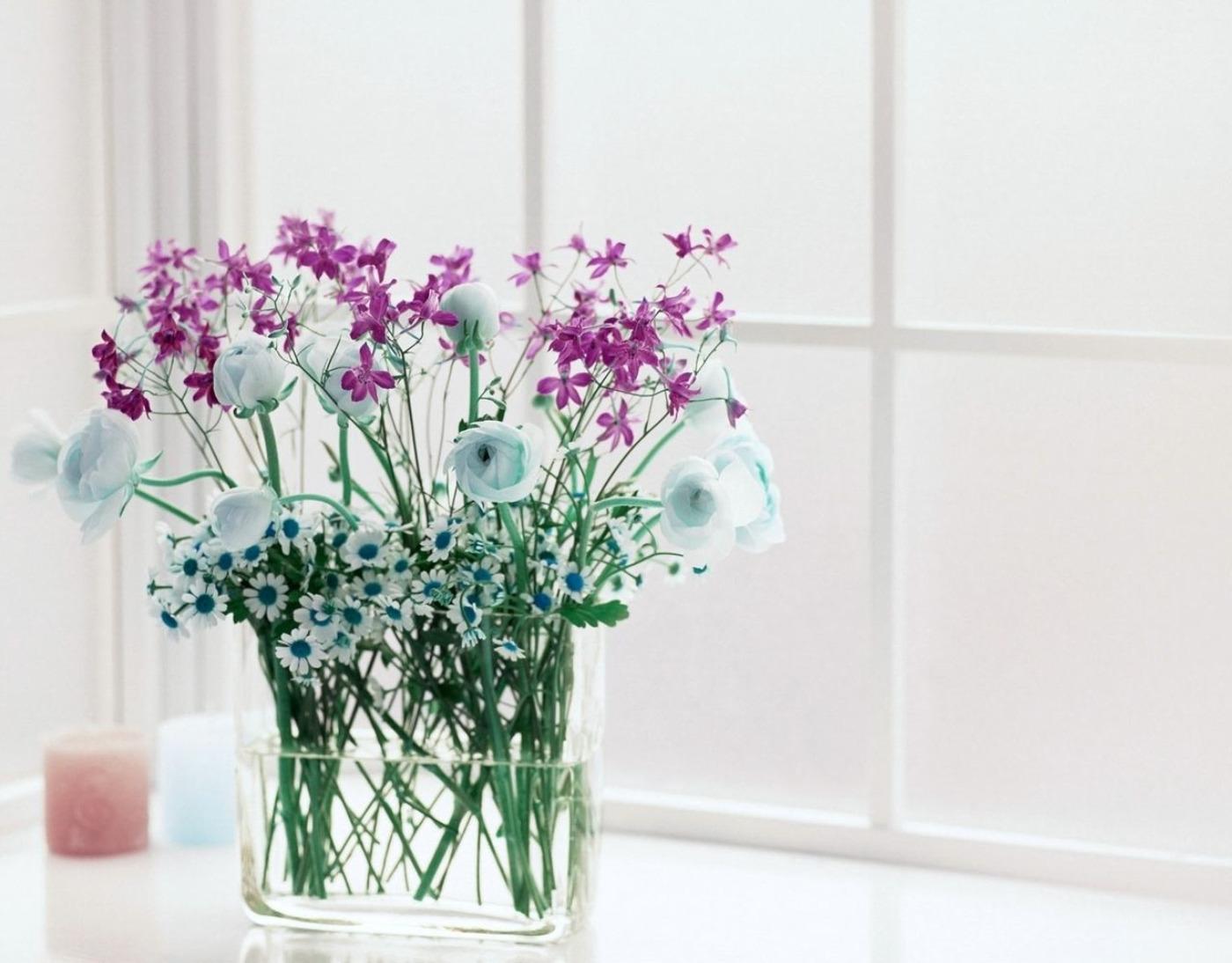 Vase Of Flowers Wallpaper Beautiful Flowers Wallpaper 1400x1094