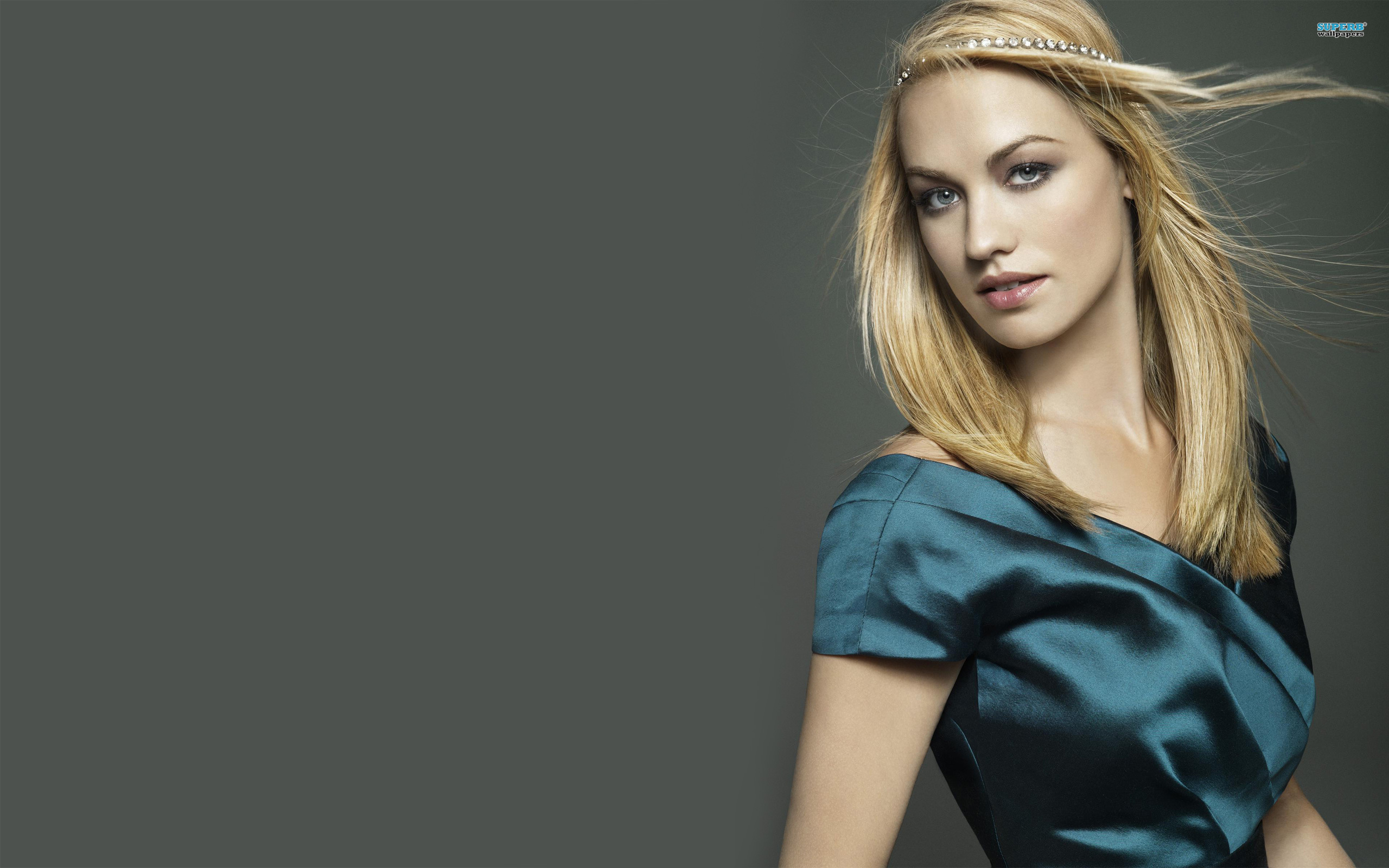Beautiful Yvonne Strahovski Amazing Wallpaper   Imgur 2560x1600