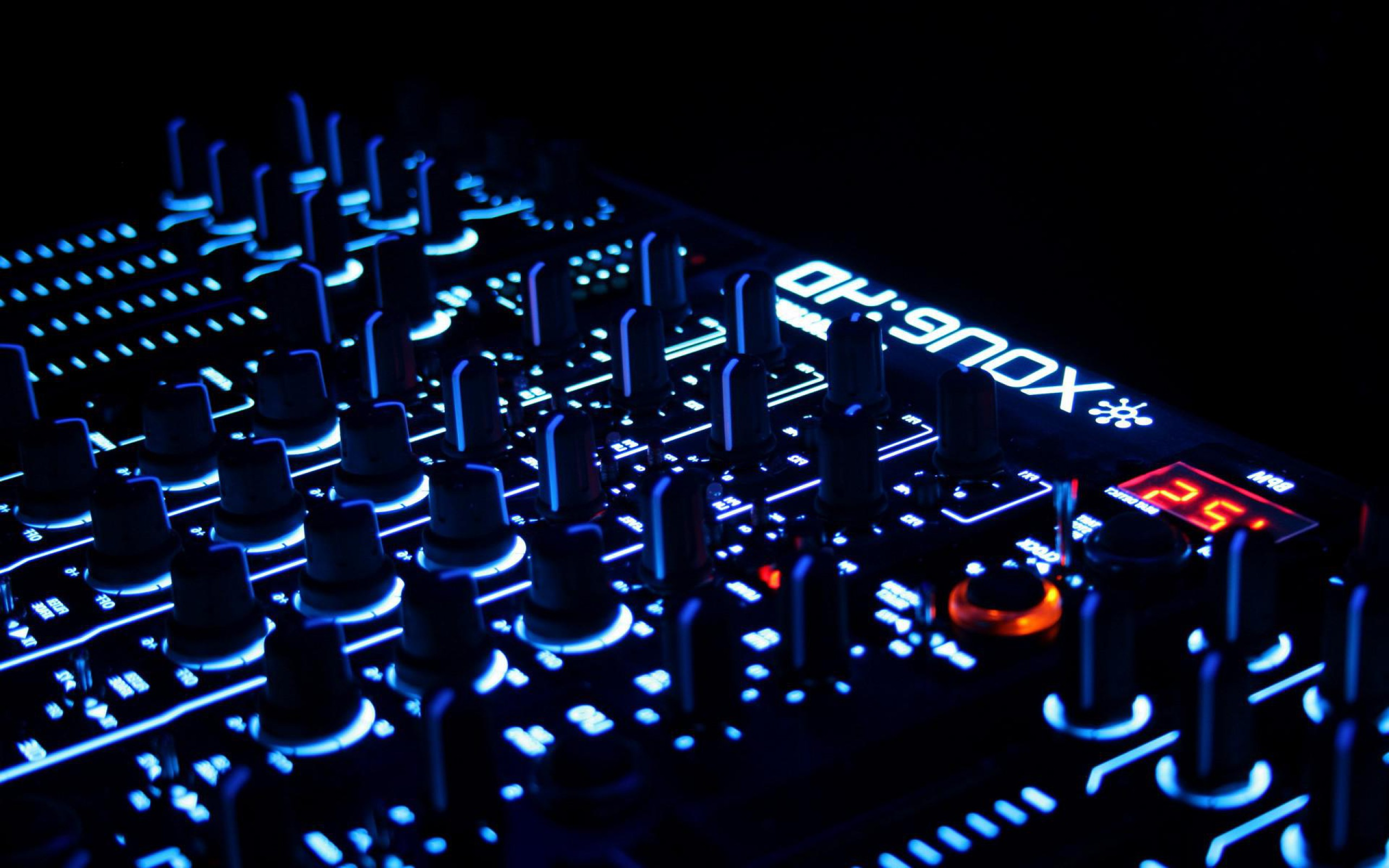 76 House Music Dj Wallpaper On Wallpapersafari