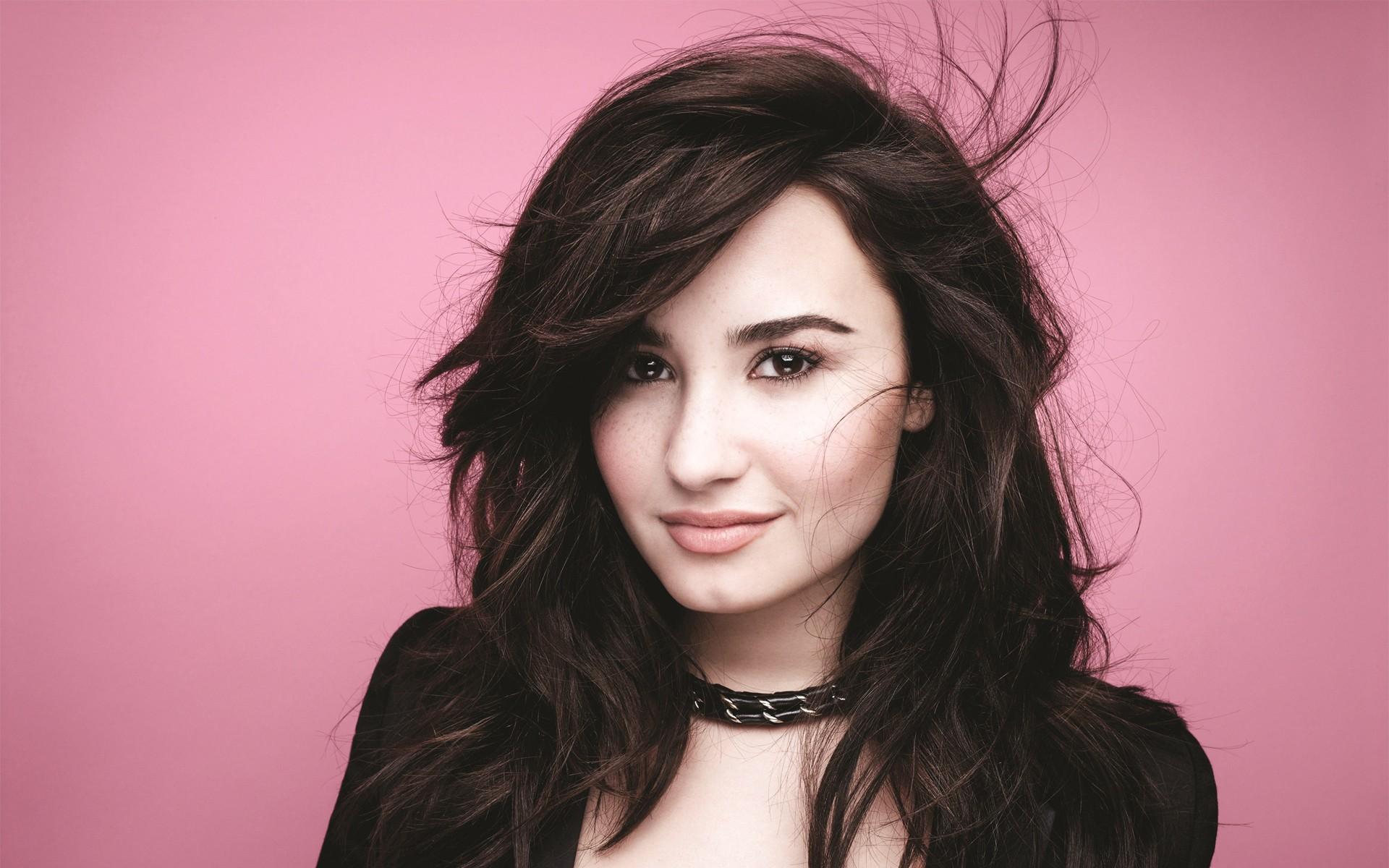 Disney Info Polska [By jak]   Demi Lovato 1920x1200