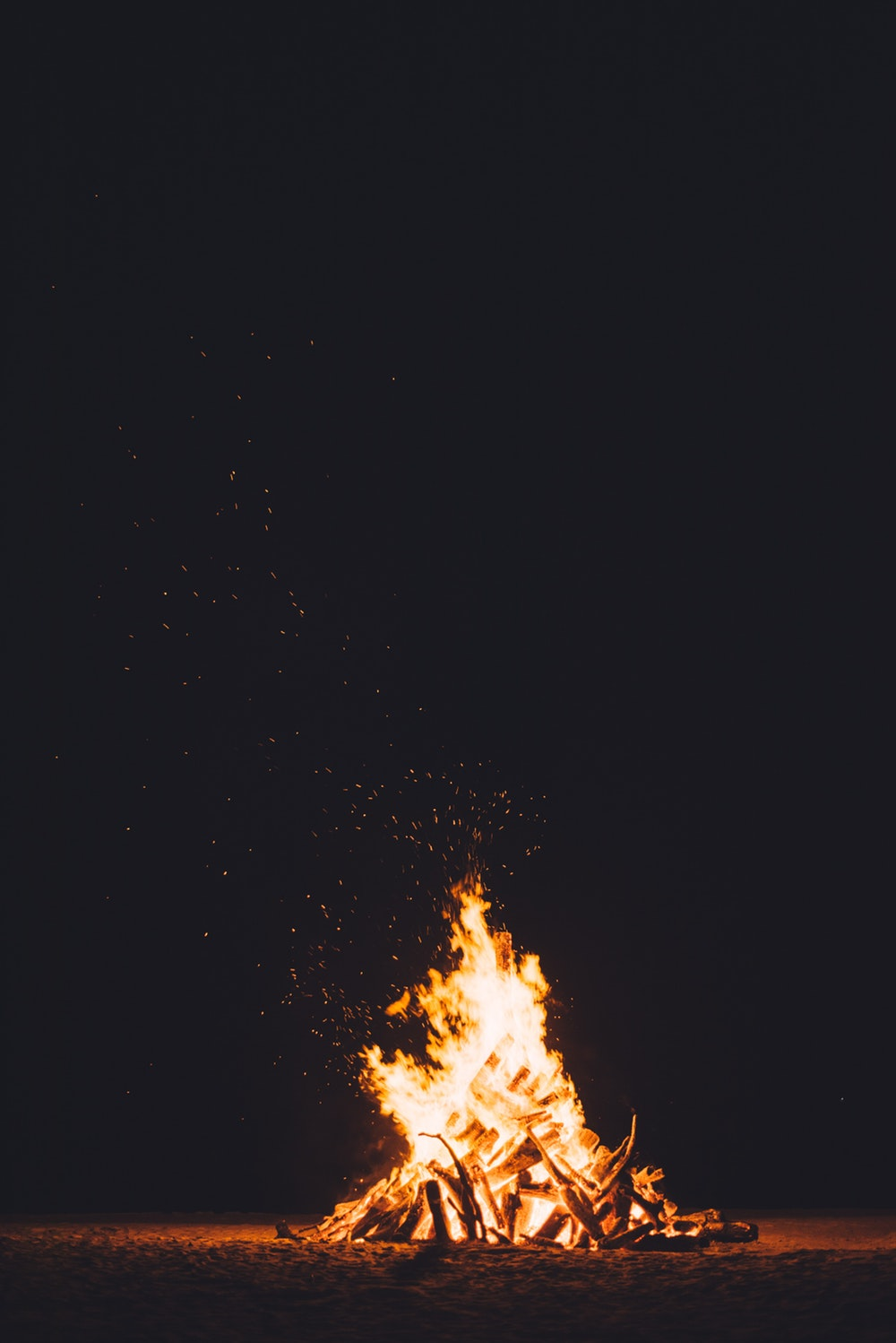 500 Best Campfire Pictures [HD] Download Images on Unsplash 1000x1498
