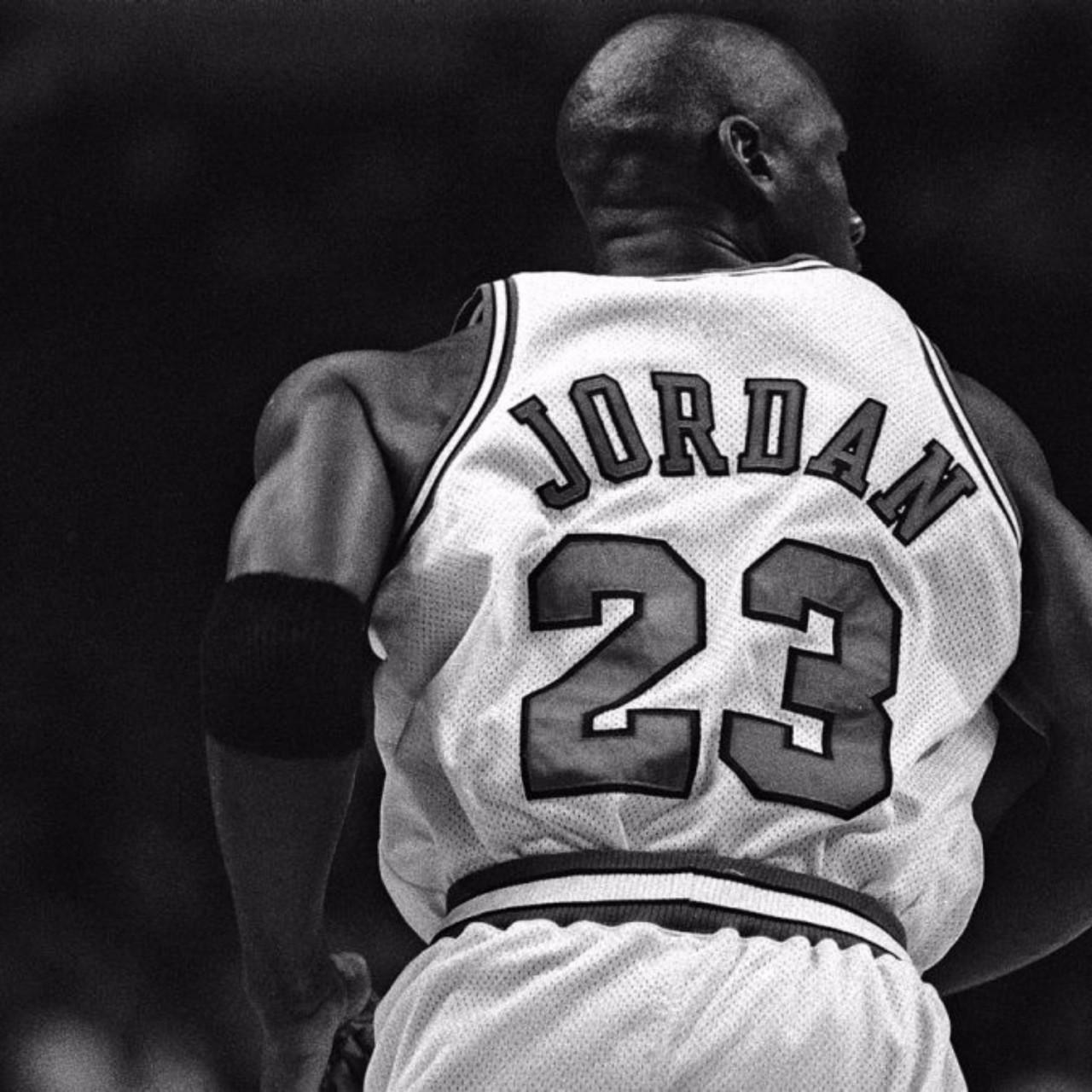 Free Download Black And White Michael Jordan 4K Wallpapers