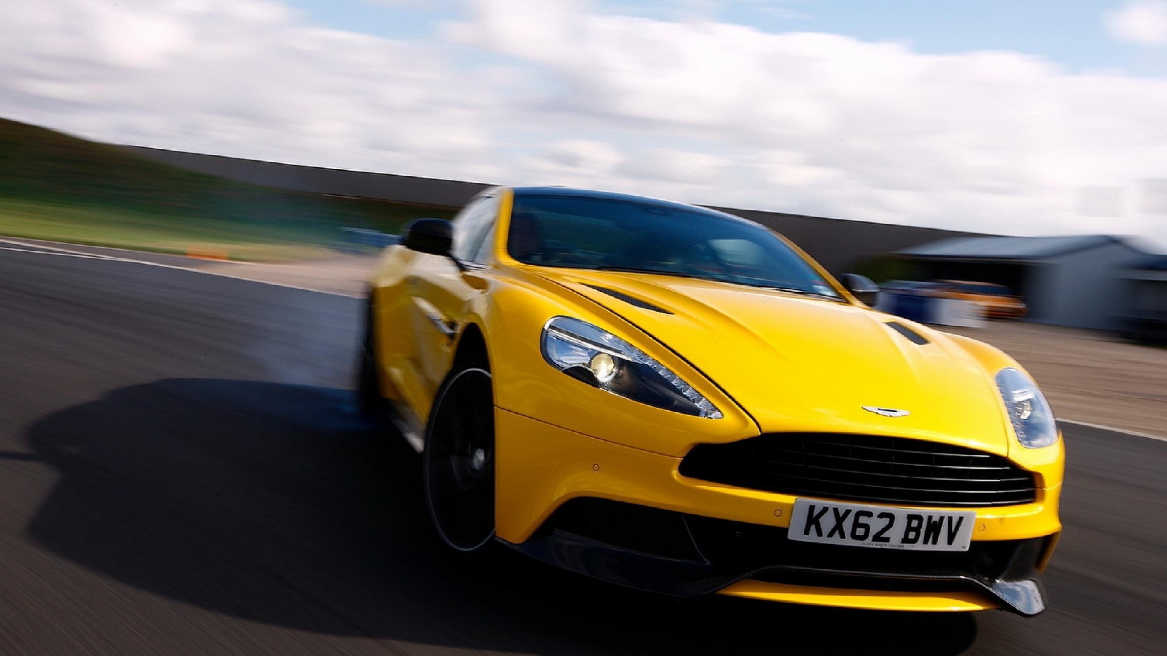 Speed Blur Limber Aston martin Wallpaper Background 4K Ultra HD 3840x2160