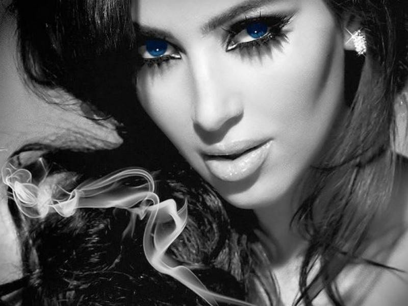 14 Smoldering Kim Kardashian Desktop Wallpapers 800x600