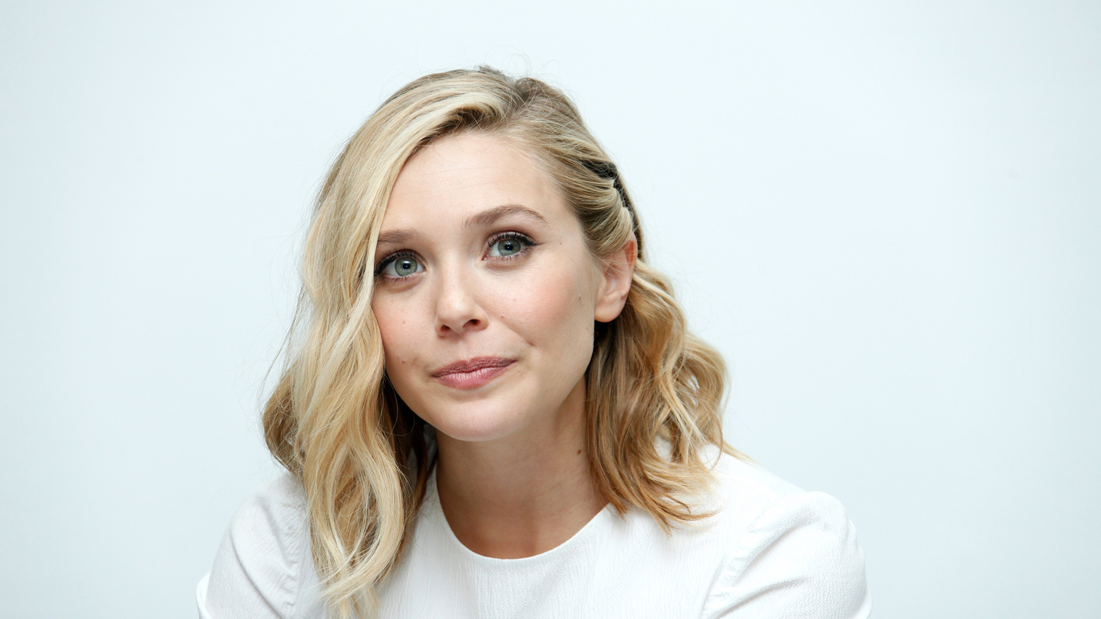 Elizabeth Olsen Widescreen Wallpaper 12028 3840x2160 3840x2160