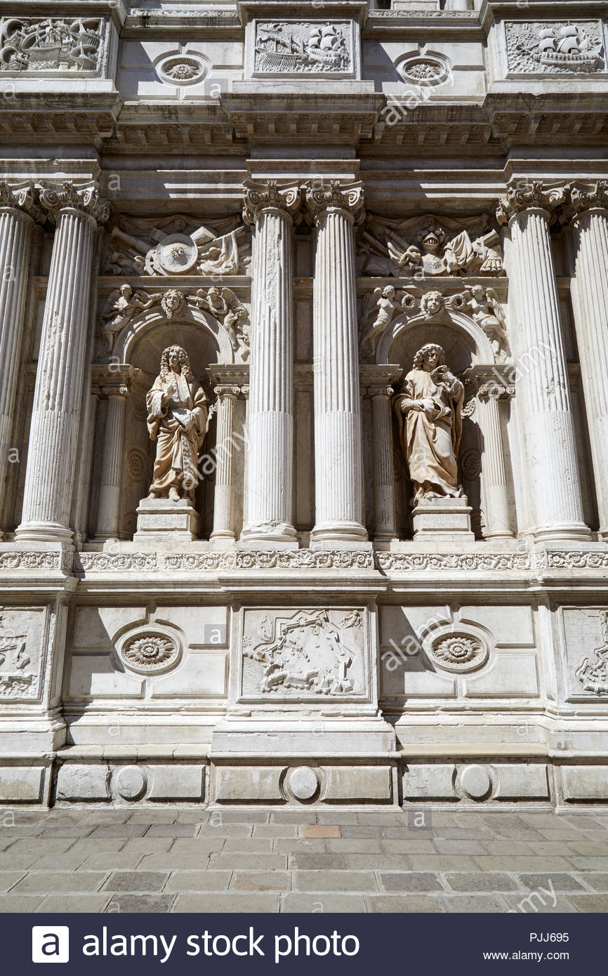 Baroque white architecture with ancient statues and columns 866x1390