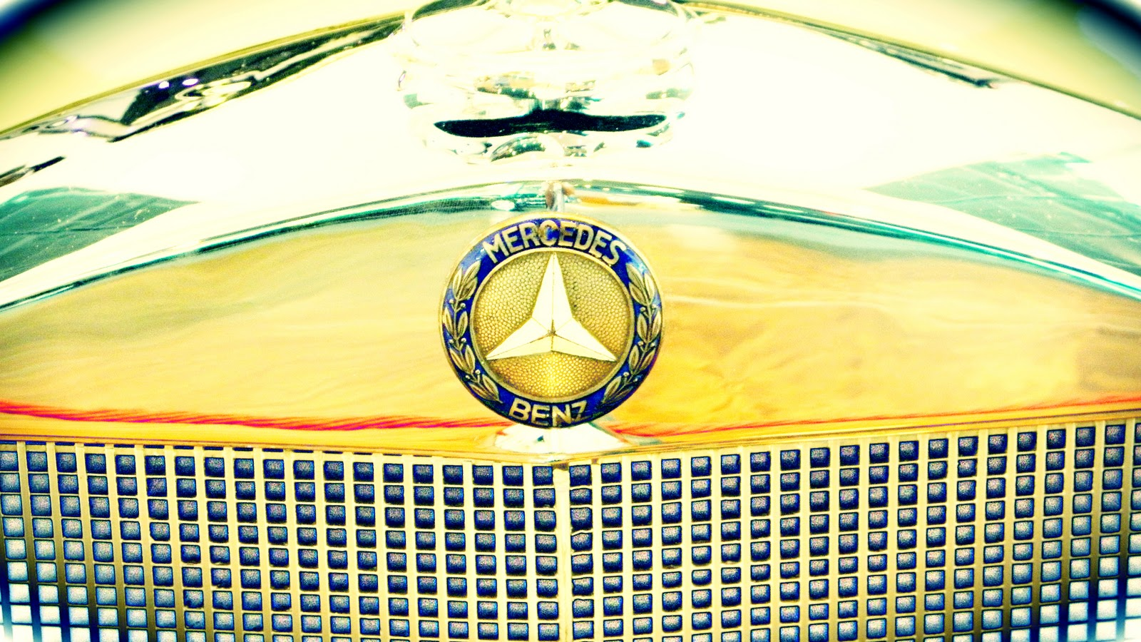 New Mercedes Benz Logo Wallpaper Full HD Pictures 1600x900