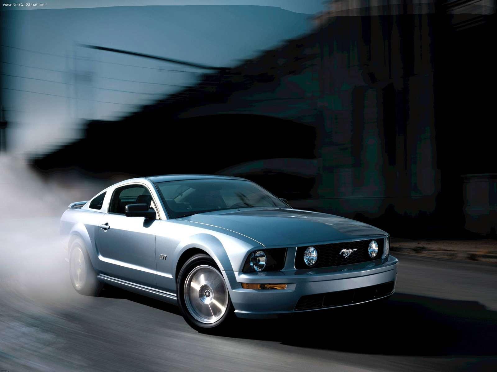 Mustang GT Luxury Car Wallpaper 1600x1200