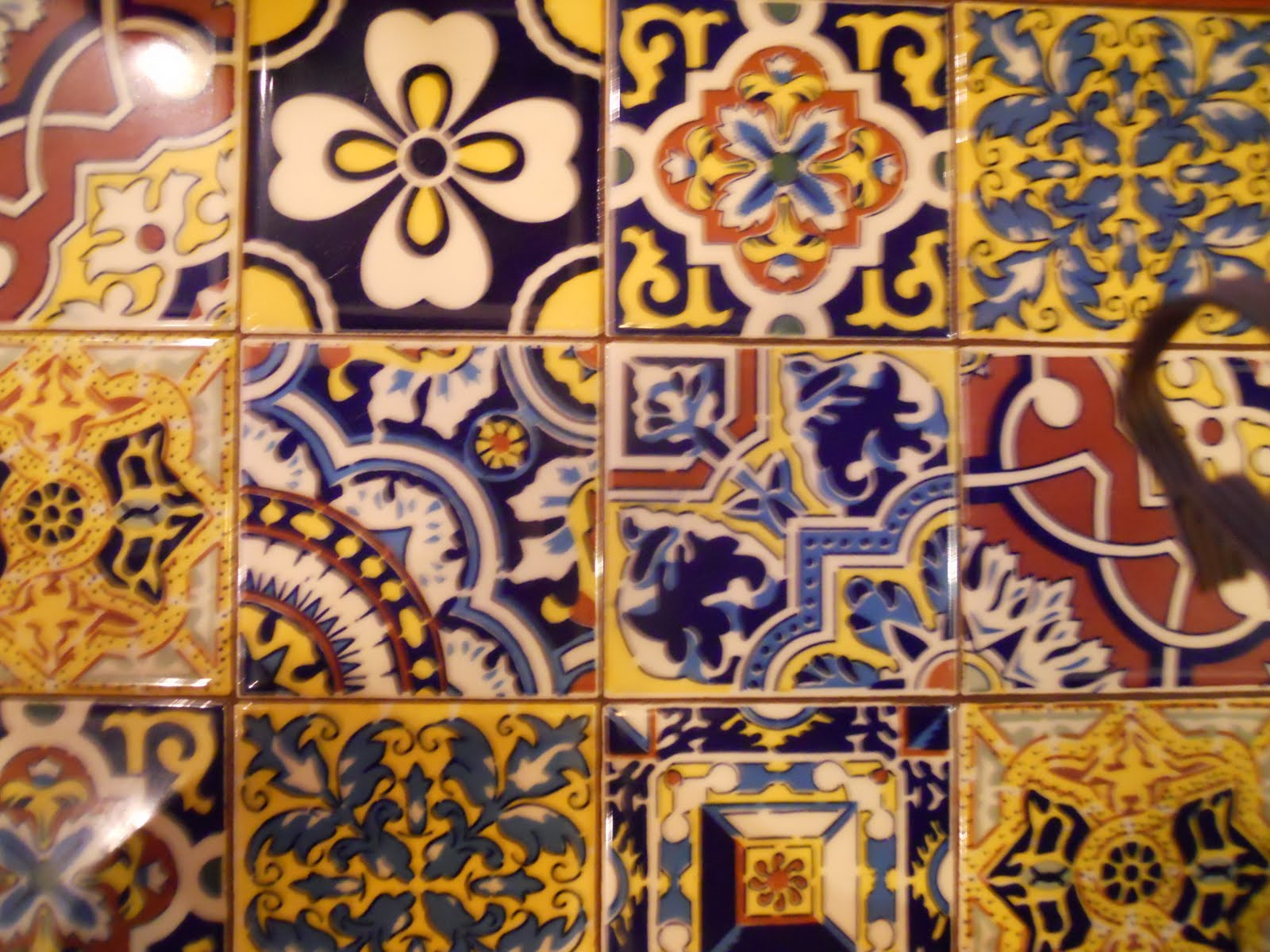 Pizza Tile Wallpaper This mexican tile is on the 1600x1200