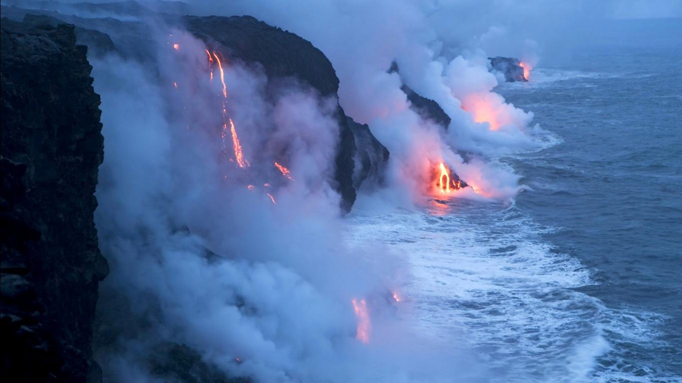 Hawaiian Volcano Wallpaper   1366x768 1366x768