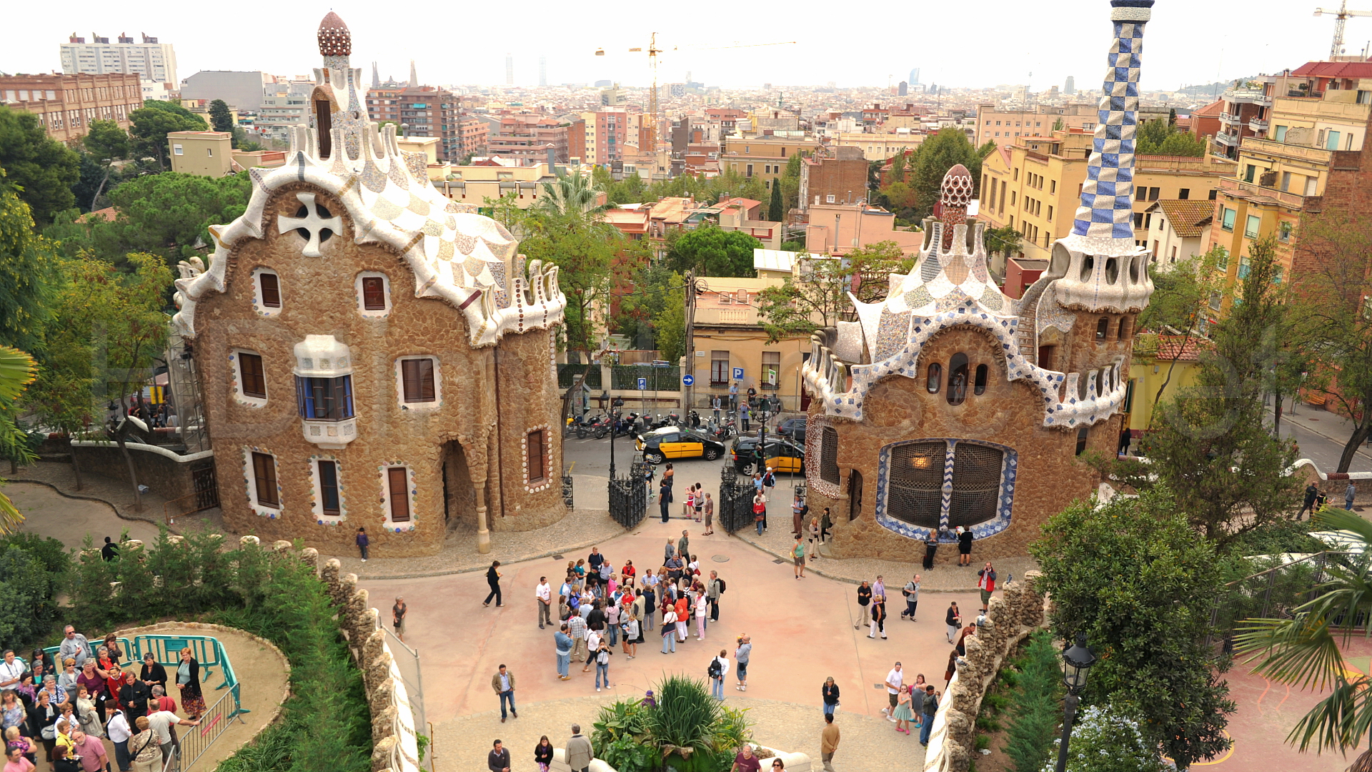 Guell UNESCO World Heritage Site The works of Antoni Gaudi Entrance 1920x1080