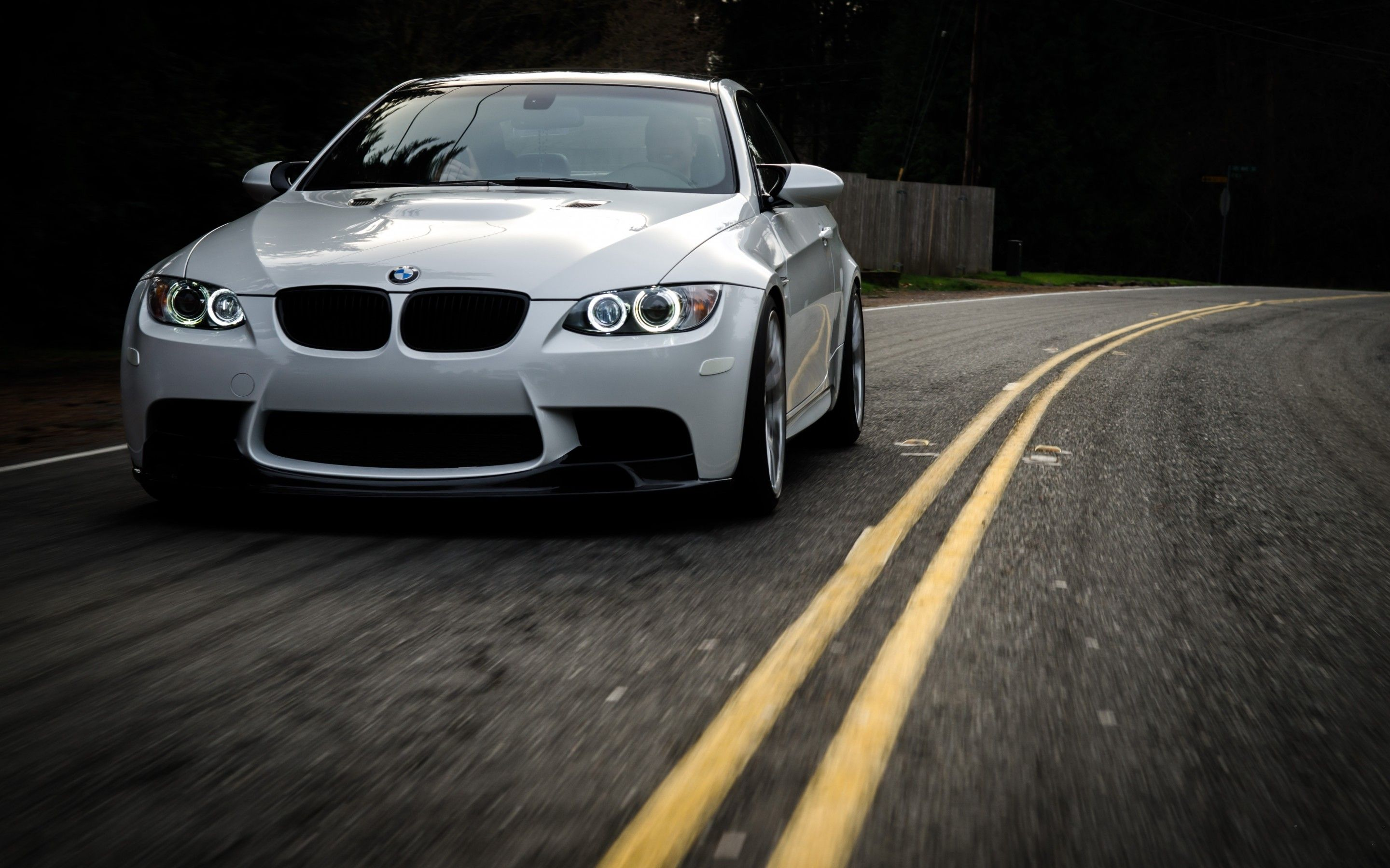 M3 Wallpapers 91 2880x1800