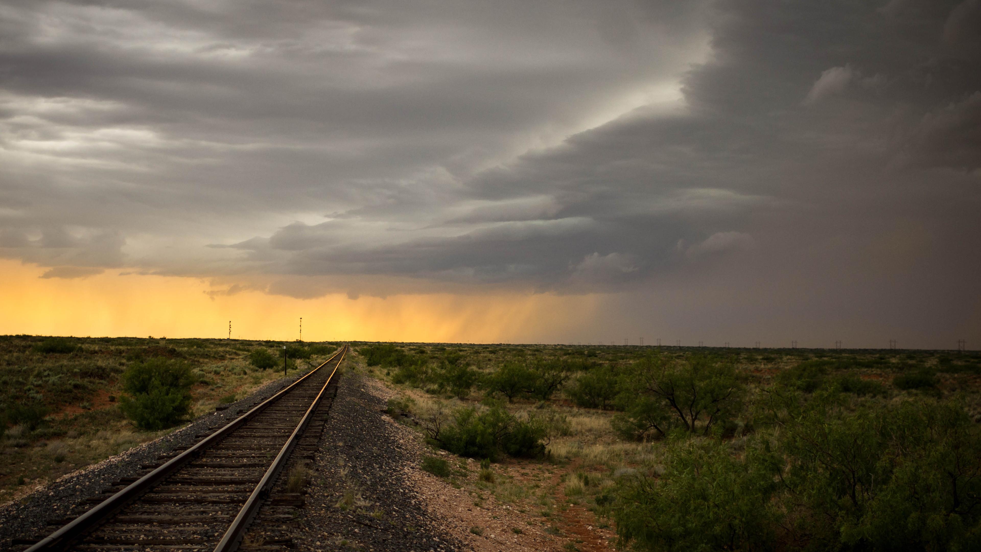BOTPOST] A Stormy Evening in SE New Mexico [3840x2160] iimgurcom 3840x2160