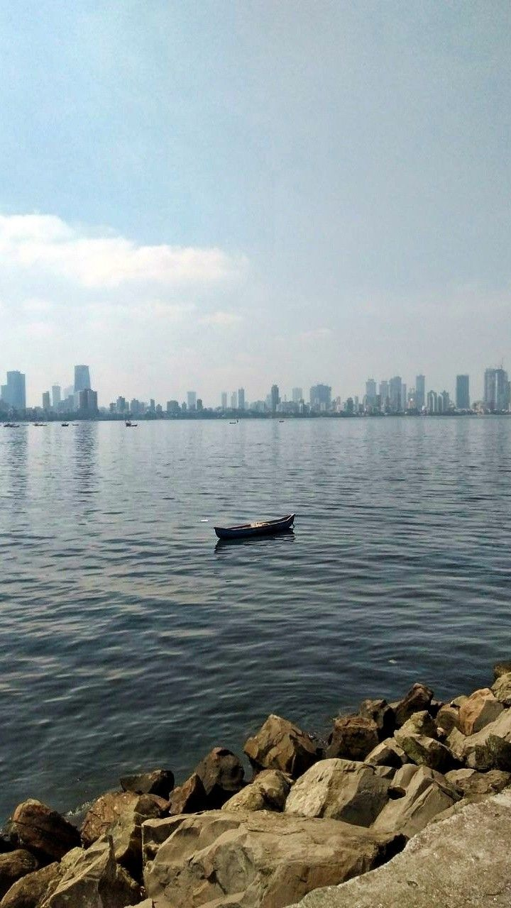 Sailing alone boat mumbai sea Mobile Wallpapers Mobile 720x1280