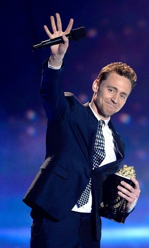 actor tom hiddleston wallpapers hd tom hiddleston hot wallpapers 307x512