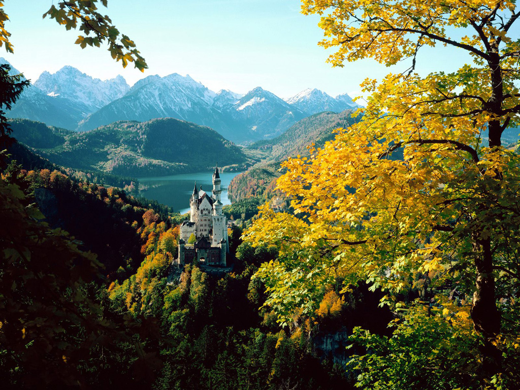 Germany   autumn picture Neuschwanstein Castle Bavaria Germany 1024x768