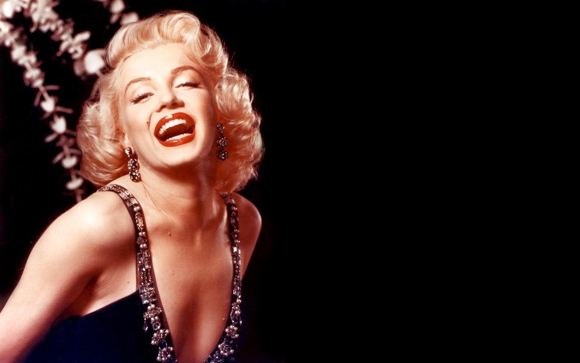 77 Marilyn Monroe Wallpapers On Wallpapersafari