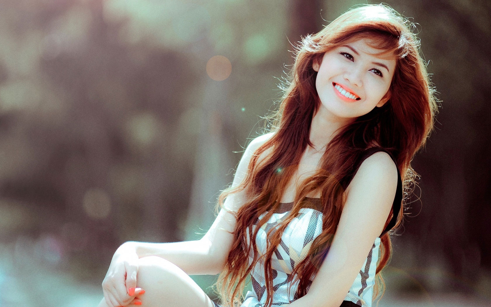 Most Beautiful Girls Smile Wallpapers long hair 1680x1050