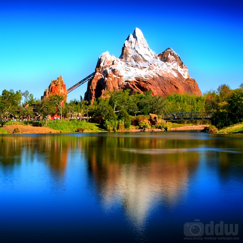 Expedition Everest iPad Wallpaper 1024 x 1024 1024x1024