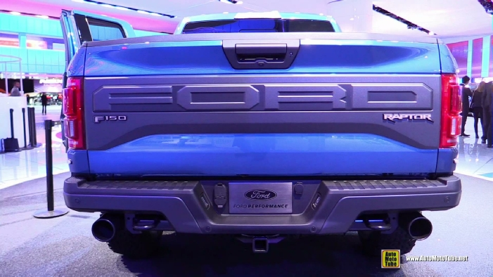 2016 Ford F150 Raptor at 2015 Detroit Auto Show 701x394