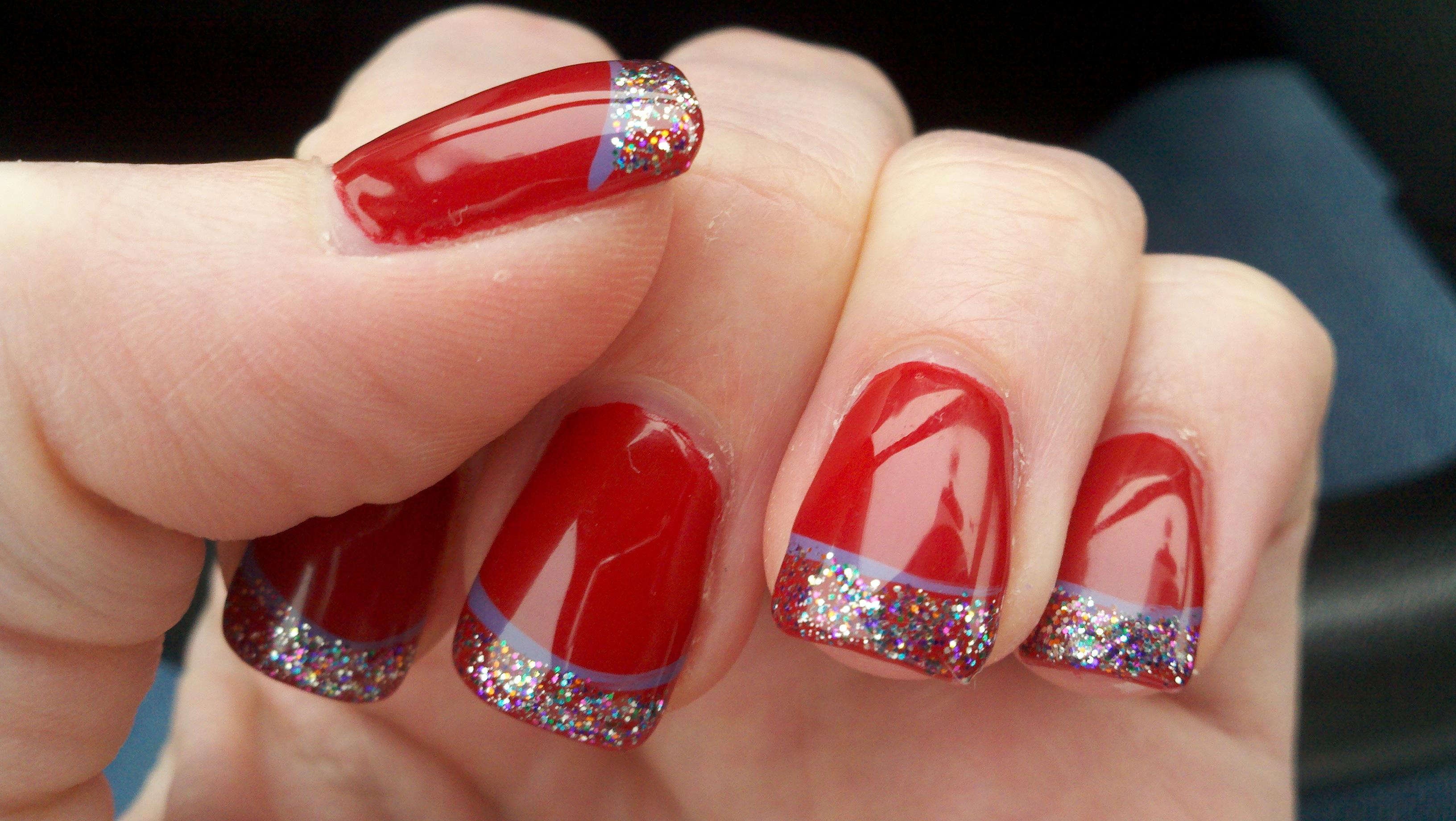 Red Christmas Nail Art 3264x1840