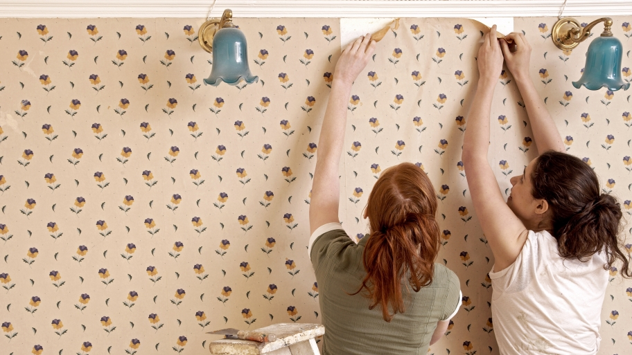 Wallpaper removal methods depend on the condition of the wall 912x513