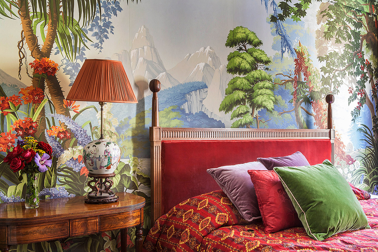 expression of joyful colour The luxurious de Gournay wallpaper 1275x850