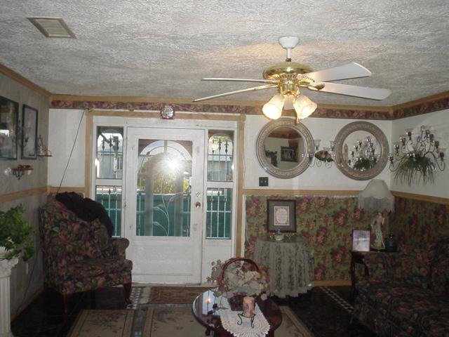 Wallpaper Border Cabin and Rustic Lodge Style 640x480