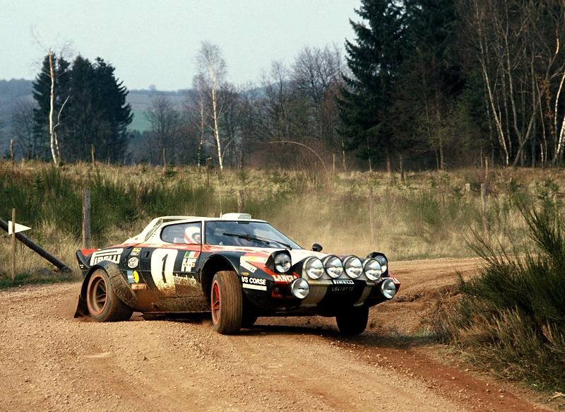 Lancia Stratos Rally Version 1972 800x600 wallpaper 01 800x583