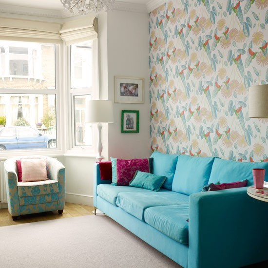 Statement wallpaper Colourful living room ideas PHOTO GALLERY 550x550