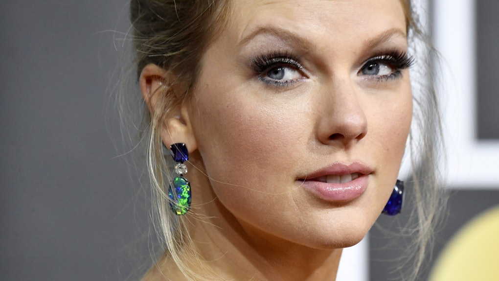 Taylor Swifts 2020 Golden Globes Dress Is Super Trendy For 2020 1020x574